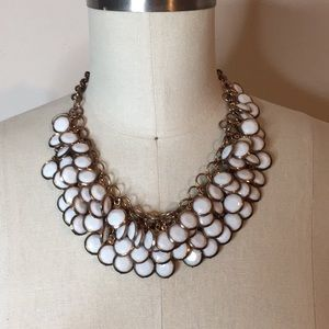 Jewelry - White With Gold Tone Necklace